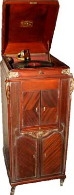 The XVI, original internal-horn Victrola, introduced in 1906