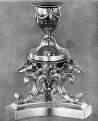 Traveling inkstand made by Obadiah Rich, Boston, based on the classic tradition as modified in the first quarter of the 19th century.