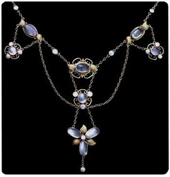 Silver and moonstone Arts & Crafts necklace. Swag style, maker unknown. Photo courtesy of Tadema Gallery, London.