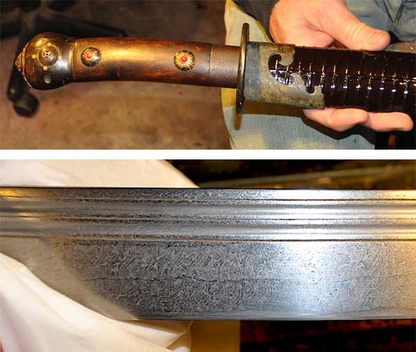 Boyd's Mongrolian, so named for its combination of Chinese and Mongolian styles. The blade exhibits Damascus patterning.