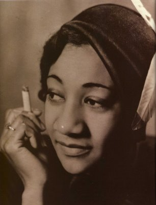 Alberta Hunter was hush-hush about her lesbian lifestyle. (Via JazzAgeMusic.blogspot.com)