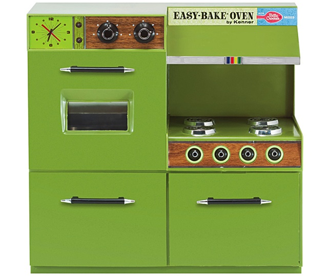 An Easy-Bake Oven from the late 1960s, featuring Betty Crocker branding, faux-wood paneling, and the kitchen color du jour, avocado green. (Courtesy of Todd Coopee)