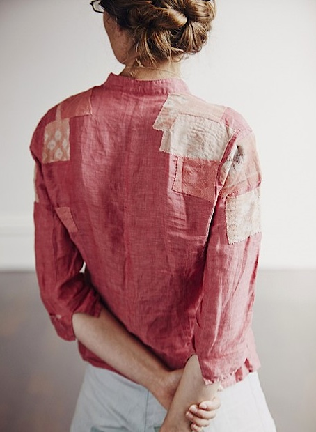 People think this Melbourne woman added patches to the back of her shirt for stylish effect, but she says the shirt is actually quite threadbare underneath. (Photo by Paul Allister, via Local Wisdom)
