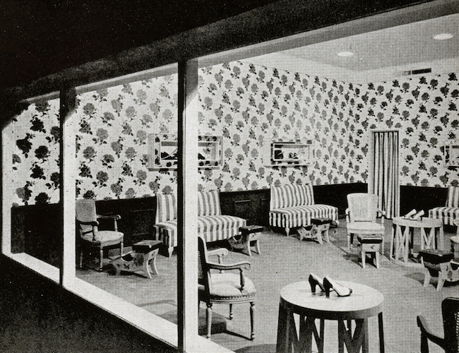 "A room for trying on shoes at the 1940s Loewy designed Lord & Taylor in Manhasset, New York. (Via MrBluehaunt.blogspot.com, from ""Contemporary Shops in the United States: 1945-47"")"