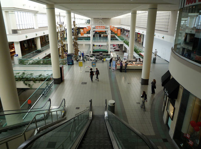 Victor Gruen's Southdale Mall in Edina, Minnesota, (shown in 2009) is widely believed to be the first enclosed shopping center in the United States. (By Bobak Ha'Eri/WikiCommons)