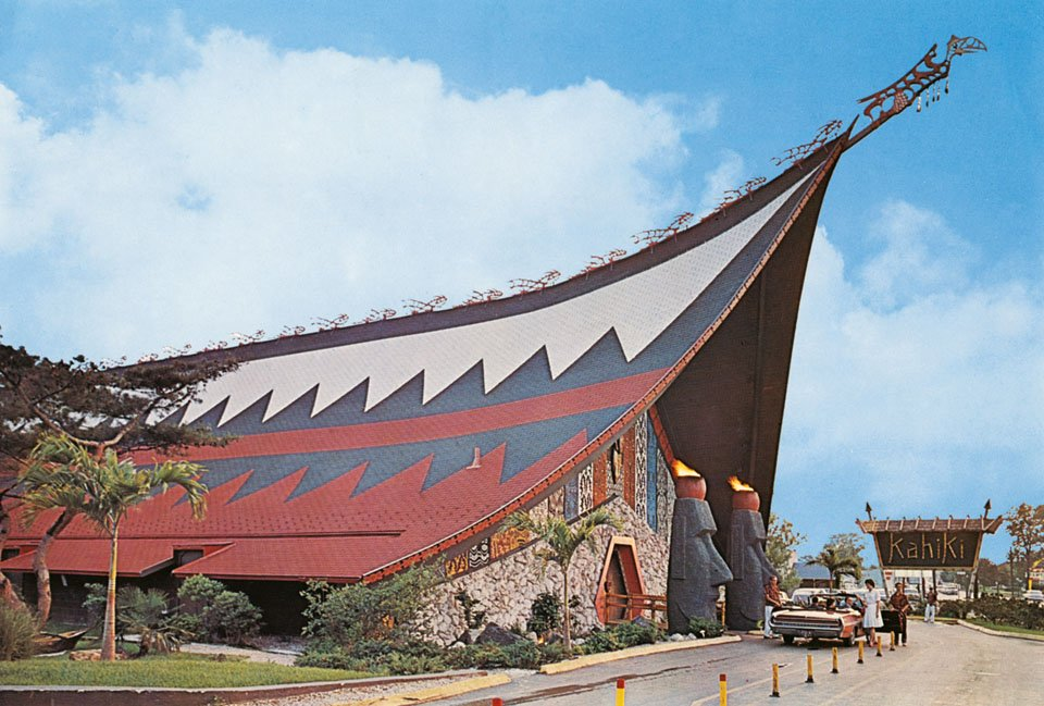 The oversized architecture of Googie meets traditional Polynesian A-frame at the Kahiki in Columbus, Ohio, circa 1961.