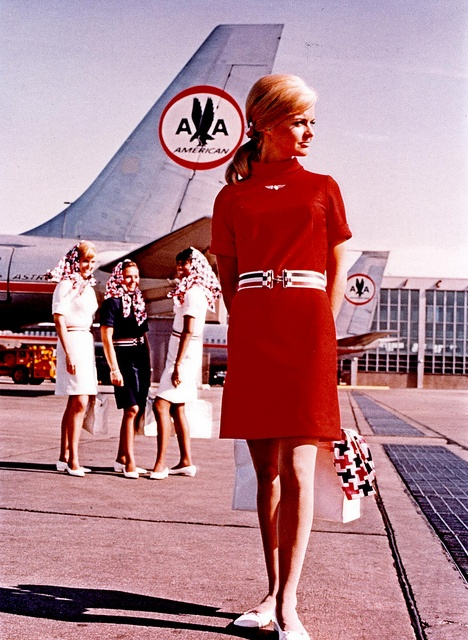 In 1967, American Airlines adopted a mod look for its uniforms. (Via Paper Mag)
