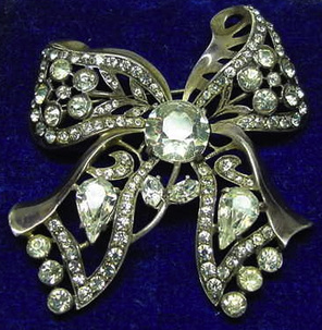 Rhinestone dynasty karl eisenberg talks about his family for Antique jewelry worth money