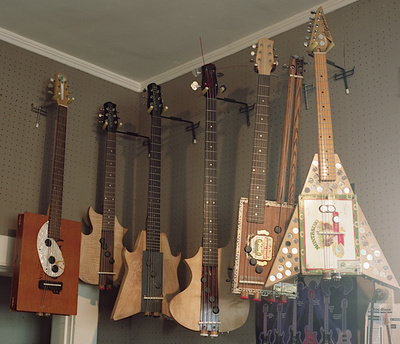 the blues rocker s new secret weapon an electric cigar box guitar collectors weekly. Black Bedroom Furniture Sets. Home Design Ideas